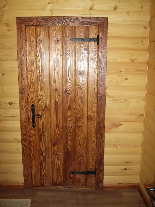 Дверь из дерева для дачи своими руками фото